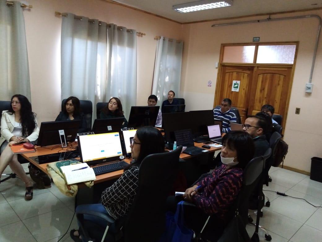 Intensa jornada de capacitación a docentes en aula virtual